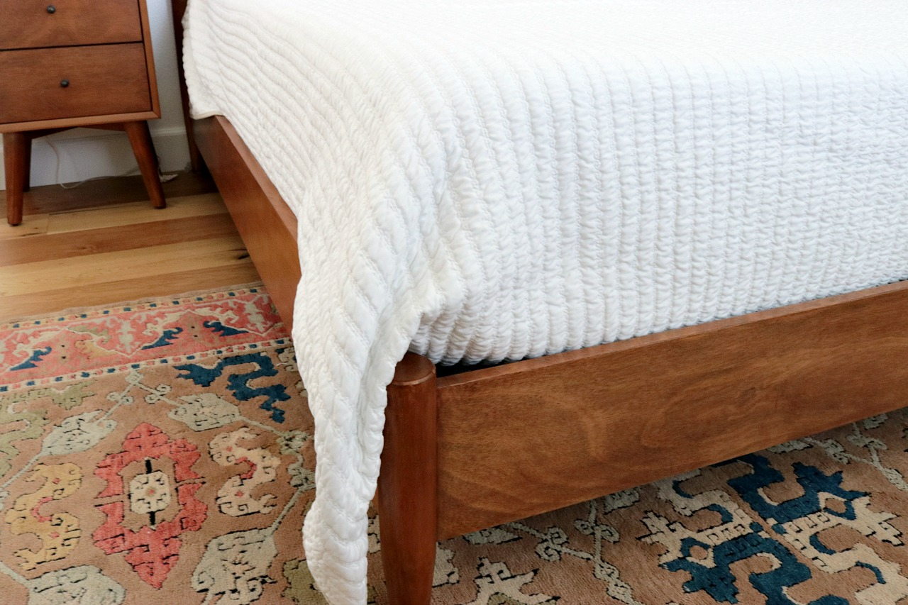 How I Make My beds - House Becomes Home Interiors