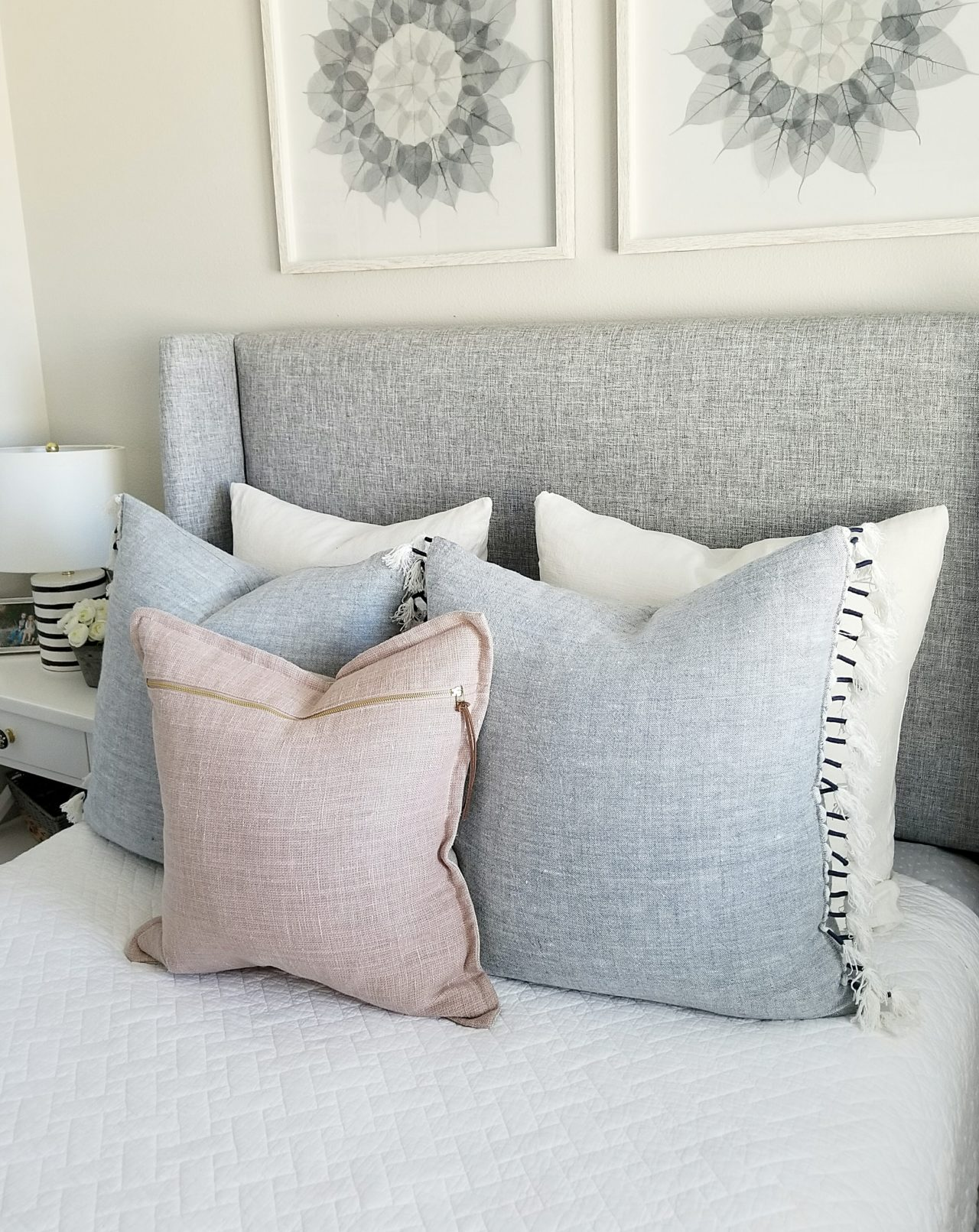 Pleasant Pillow Styling Sources And Arrangements House Becomes Uwap Interior Chair Design Uwaporg